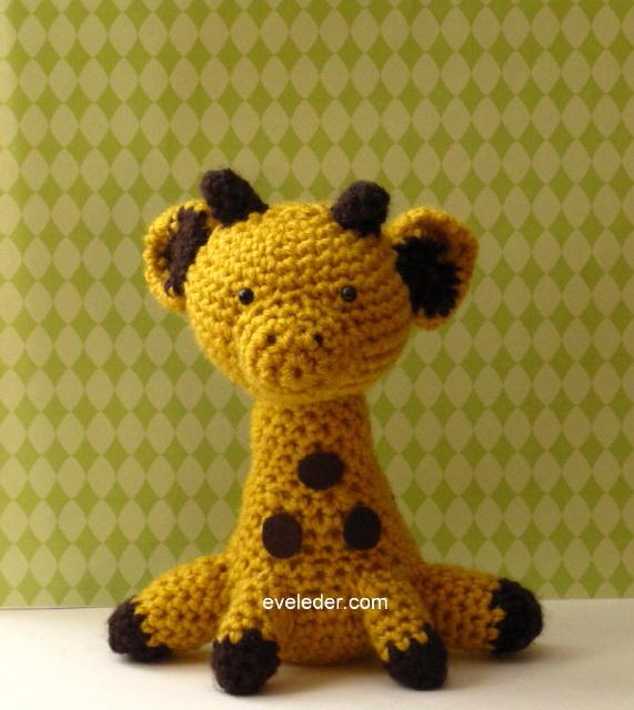 Crochet Amigurumi Giraffe Pattern http://eveleder.com